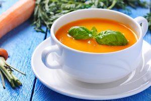 Gastrite: cosa mangiare? Grazie alle carote si attenua il bruciore, la ricetta.