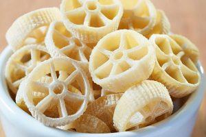 Ricette estive: con i formati di pasta meno conosciuti si porta in tavola l'allegria