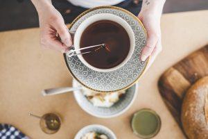 Come abbinare il tè ai piatti dolci e salati: un matrimonio di sapori insoliti