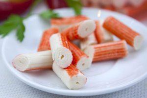 Sfizioso e delicato il surimi è composto da ritagli della lavorazione del pesce