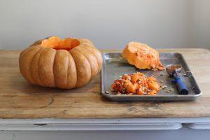 La zucca con la sua polpa dolciastra è la protagonista dell'autunno. È buona e fa bene alla salute!