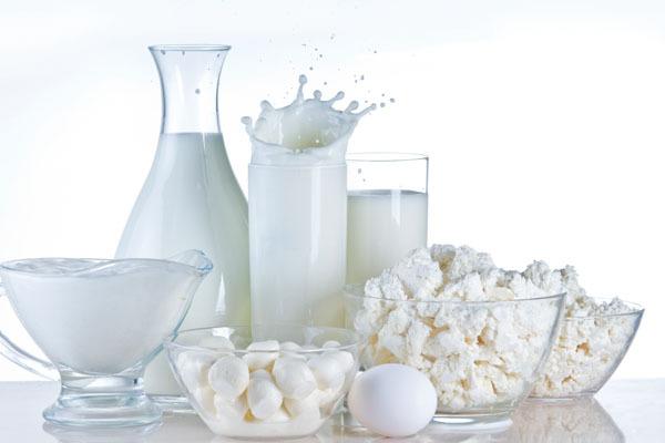 Alimentazione: latte e formaggi fanno male?