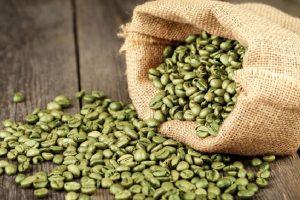 Caffè verde: la bevanda che aiuta a perdere peso grazie al mix di principi attivi