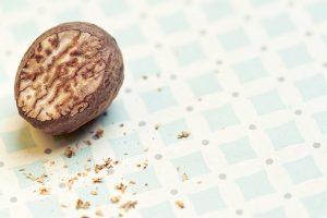 Noce moscata: solo una spezia. Benefici e virtù dell'ingrediente segreto di molte ricette.