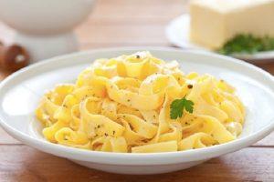 Le Fettuccine Alfredo sono davvero italiane? E chi le ha inventate?