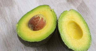 frutta esotica avocado