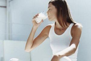 Alimentazione corretta per mantenere giovane la pelle del viso